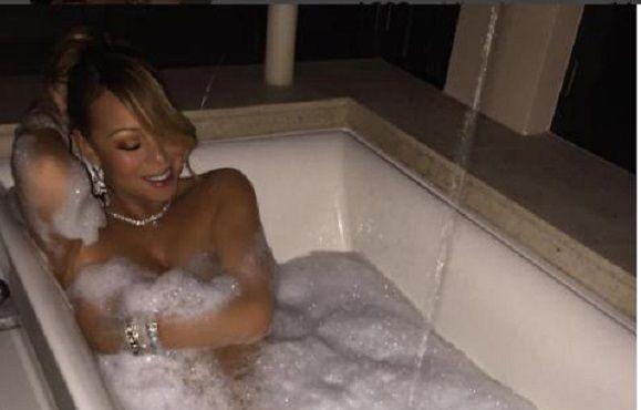 La cantante Sia publica una foto suya desnuda para