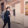 """Cuaderno Electoral: Espectacular primer video de campaña de Isabel Díaz Ayuso haciendo 'running' por un """"Madrid abierto"""" y sin decir una palabra, que ha sorprendido a todos"""